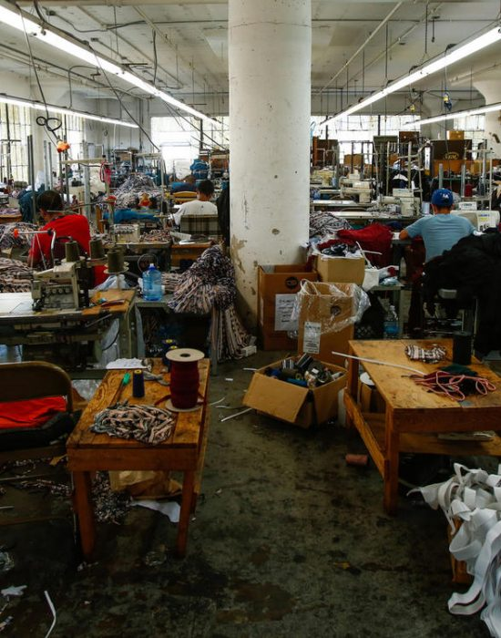 lat-fi-garment-workers-la0056522360-20170822